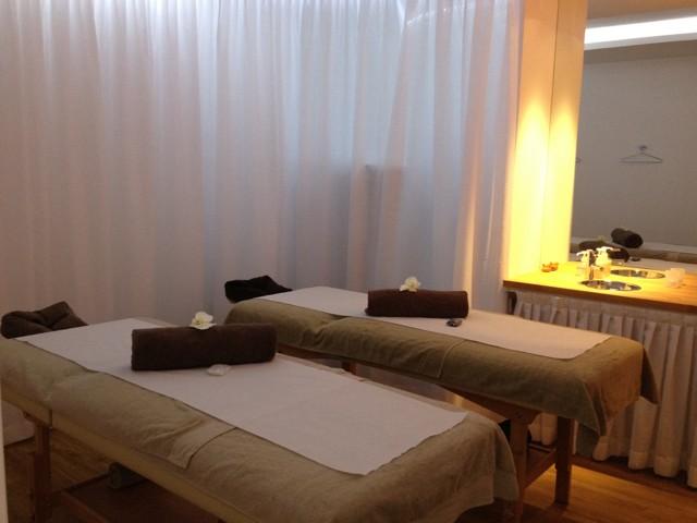 le meilleur massage de paris missglamazone. Black Bedroom Furniture Sets. Home Design Ideas