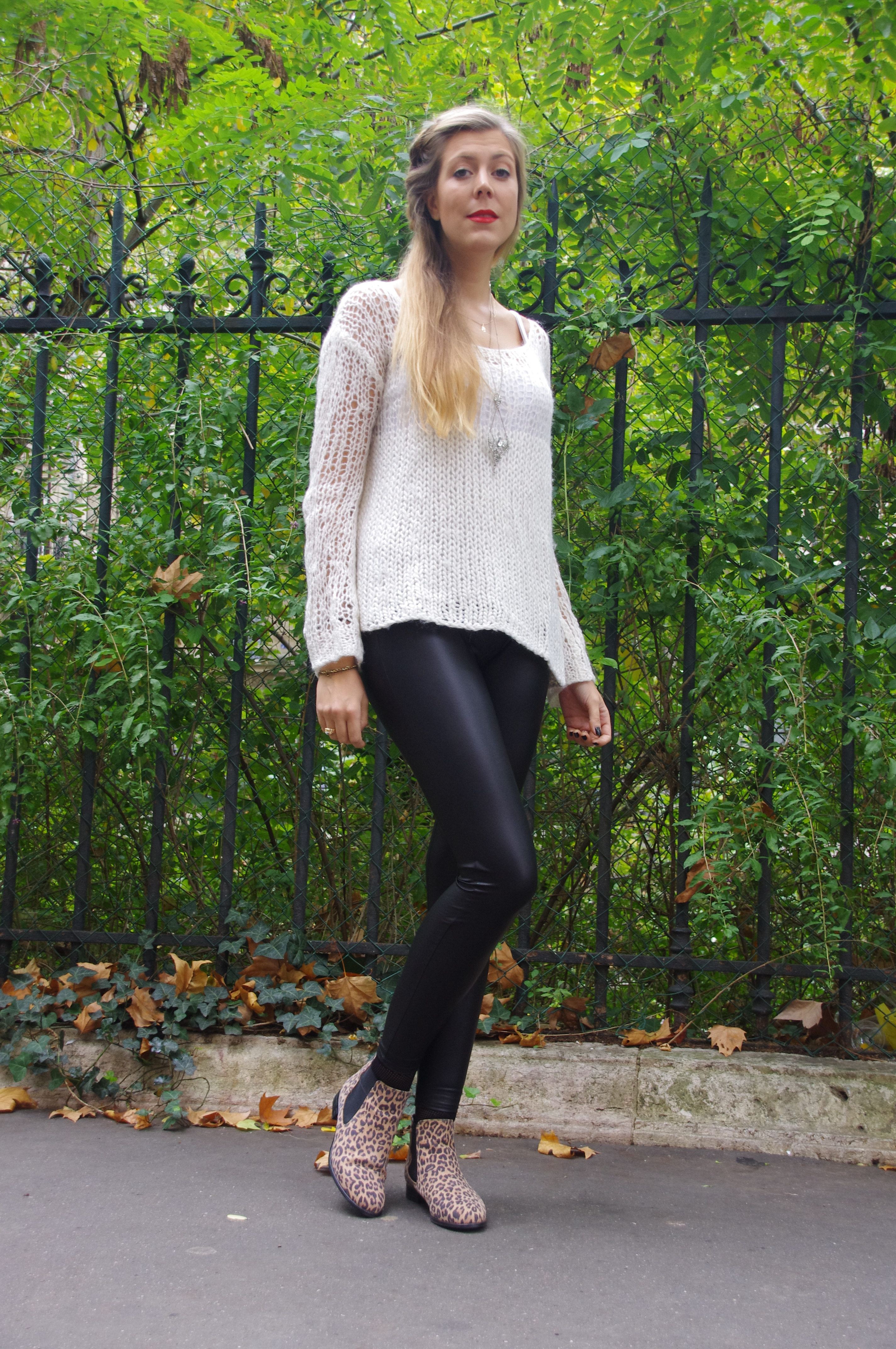 Look cool, tenue du jour, ootd, Zara, veste longue, pull ajouréX rareX legging simili-cuir, legging cuir, tregging, bottines léopard, la halle