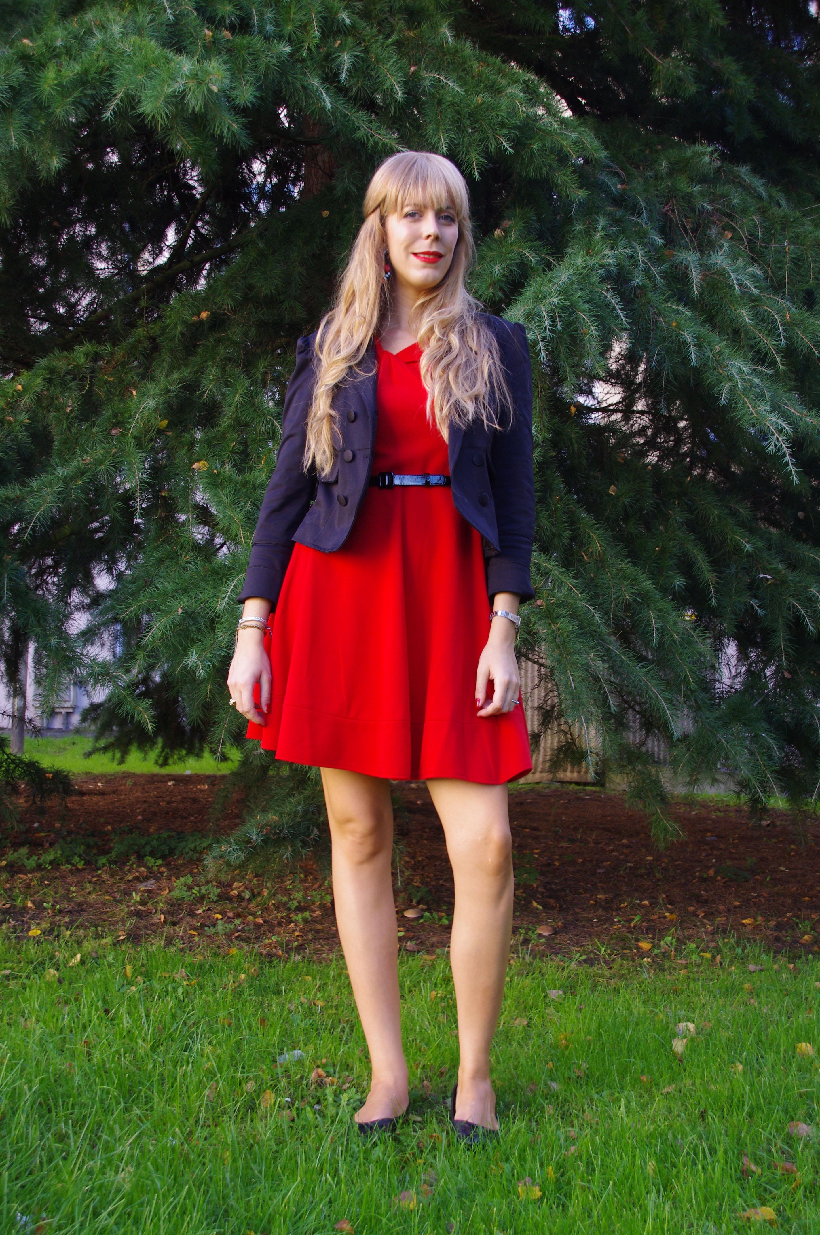 look 60'S, sixties, robe rouge, derhy, ballerines noires cuir, look bb, frange à clip, extensions chveux naturels avis, extensions à clip avis, rh excellence, castelbajac, sac union jack