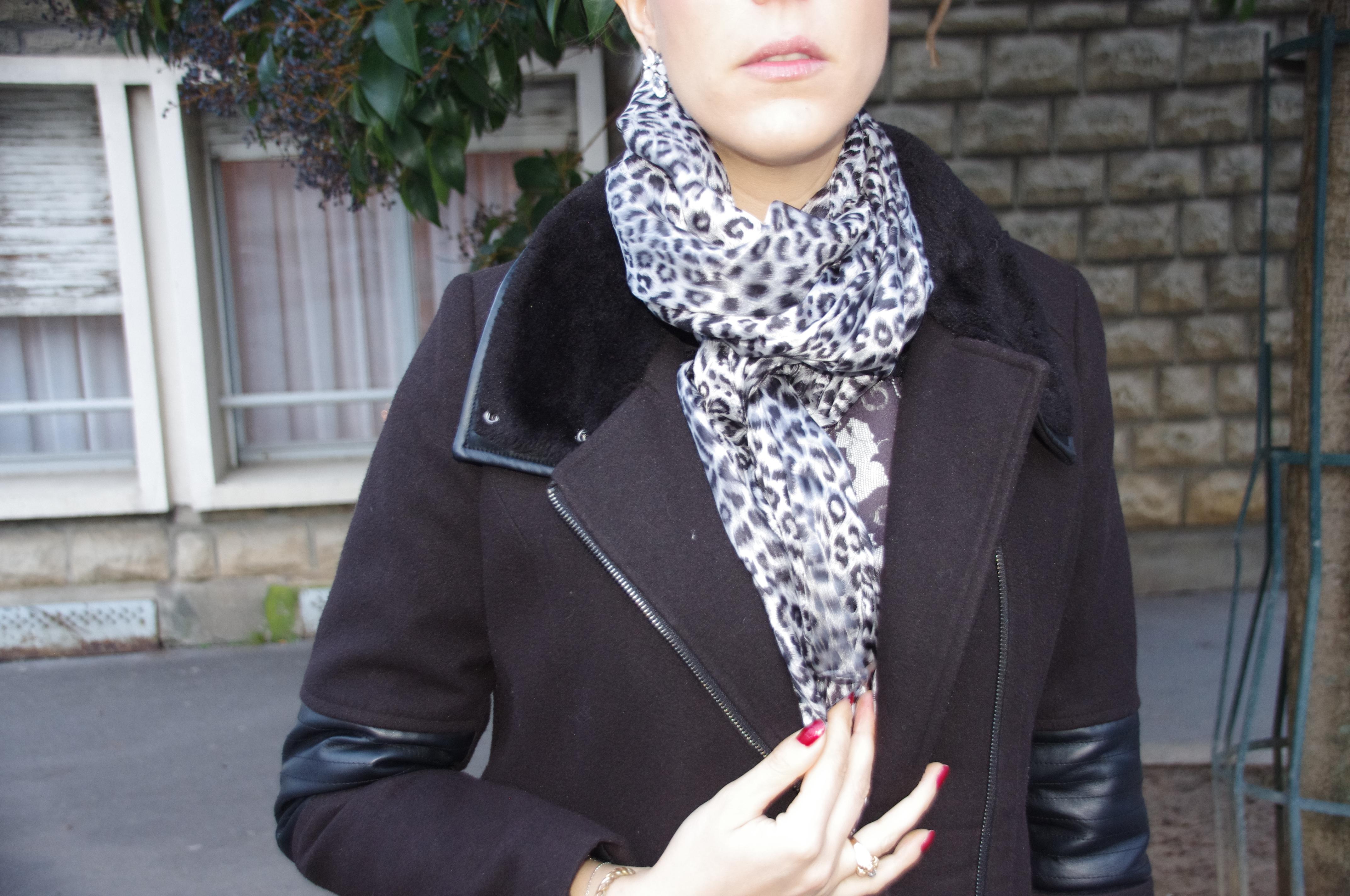 foulard soie, foulard léopard, allée du foulard, sweat baroque, sweat dentelle, derhy, jupe en simili cuir, forever 21, Union Jack, Castelbajac, JCDC
