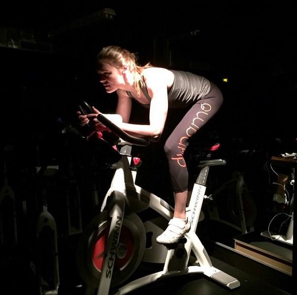le sport, sport en salle, cycling, velo en salle, sport complet, cardio, fitness, dynamo cycling
