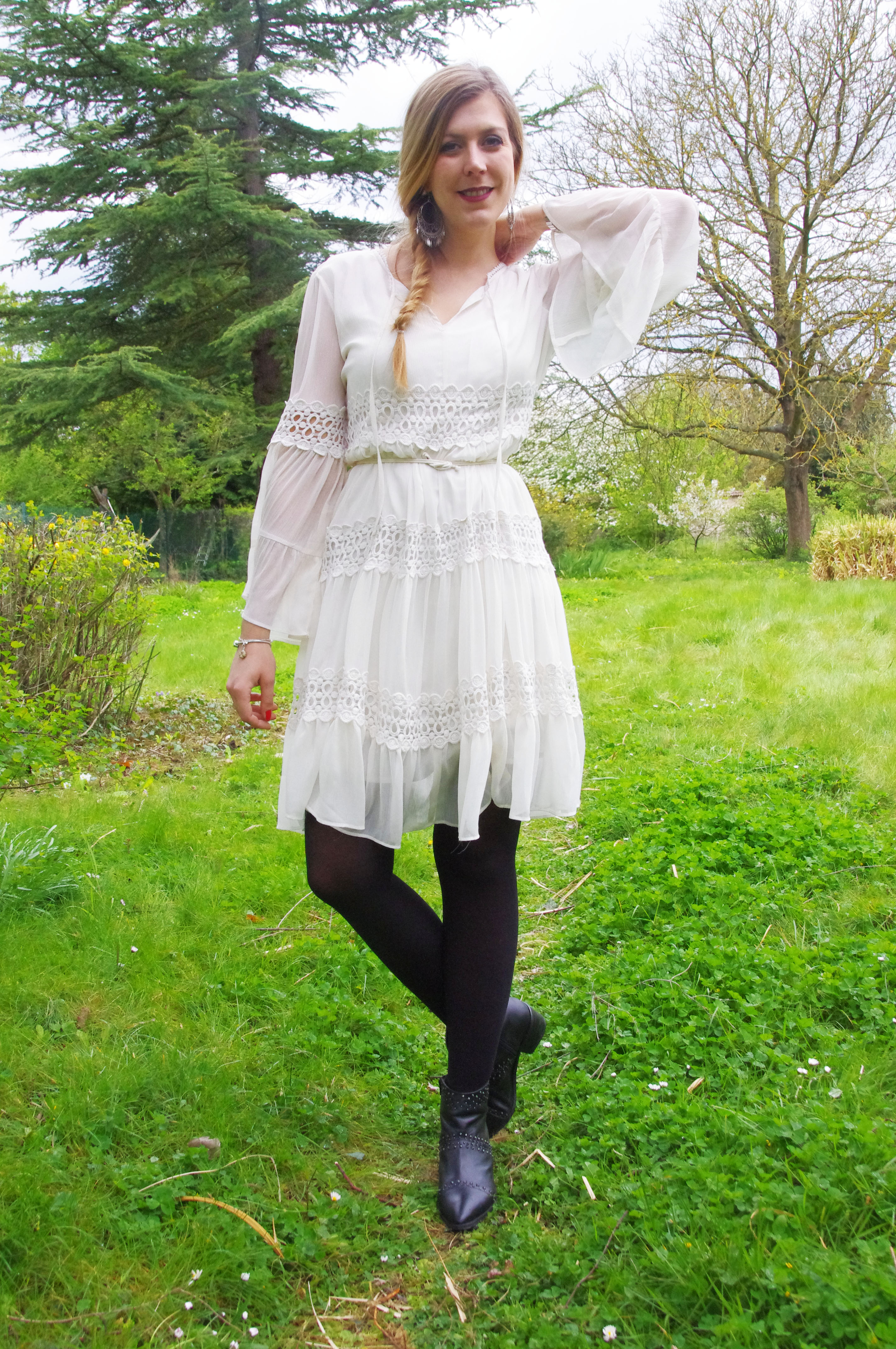 Robe dentelle blanche retro