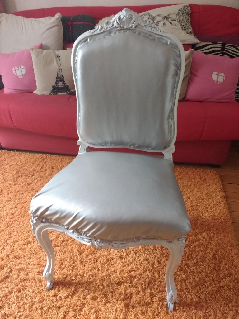 customisation, diy, fauteuil voltaire, retapisser un fauteuil, tapisser un fauteuil, refaire un fauteuil, tutoriel, pas à pas, blog diy, blogueuse diy, loisirs créatifs,