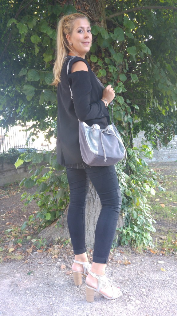 nafnaf, sac boule, sac argent, veste épaule nues, zara, jean empiècements, mim, tunique rayée, babou, sandales franges, look boho, gypset, bohème, glamrock, blog mode, blogueuse mode