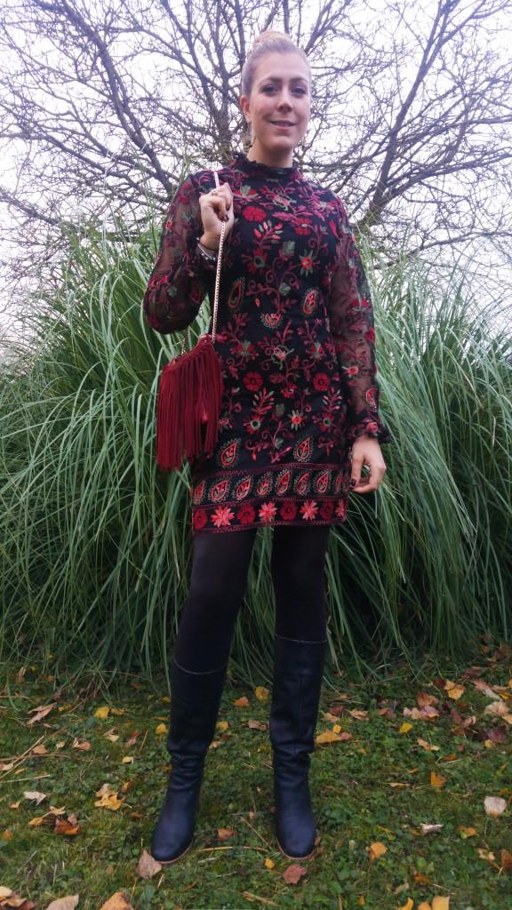 derhy, zara, pare gabia, paregabia, h&m, hm, sac franges bordeaux, sac cuir franges, bottes vintages, bottes pare gabia, robe seventies, robe 70's, robe vintage, robe zara esprit vintage robe à fleurs, robe yéyé, boucles d'oreilles vertes, look tendance, ootd, tenue du jour, ootn, look de soirée, look de fête, blog mode, blogueuse mode