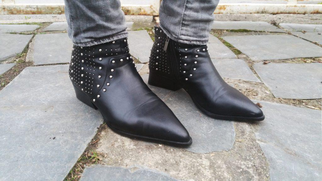 look, ootd, ootn, tenue du jour, blog mode, blogueuse mode, vintage, gilet fleuri, top lingerie, top dentelle, promod, jean gris, denim & supply, ralph lauren, boots cloutées, chelsea boots, mango,
