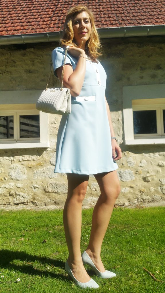 robe rétro, robe sixties, robe jaquie kennedy, robe vintage, robe derhy, robe bleu layette, escarpins caméléons, babou, sac matelassé, chanel like, sac façon chanel, la bagagerie, sac pulsion, look cérémonie, look girly, look femme été, look femme tendance, blog mode, blogueuse mode