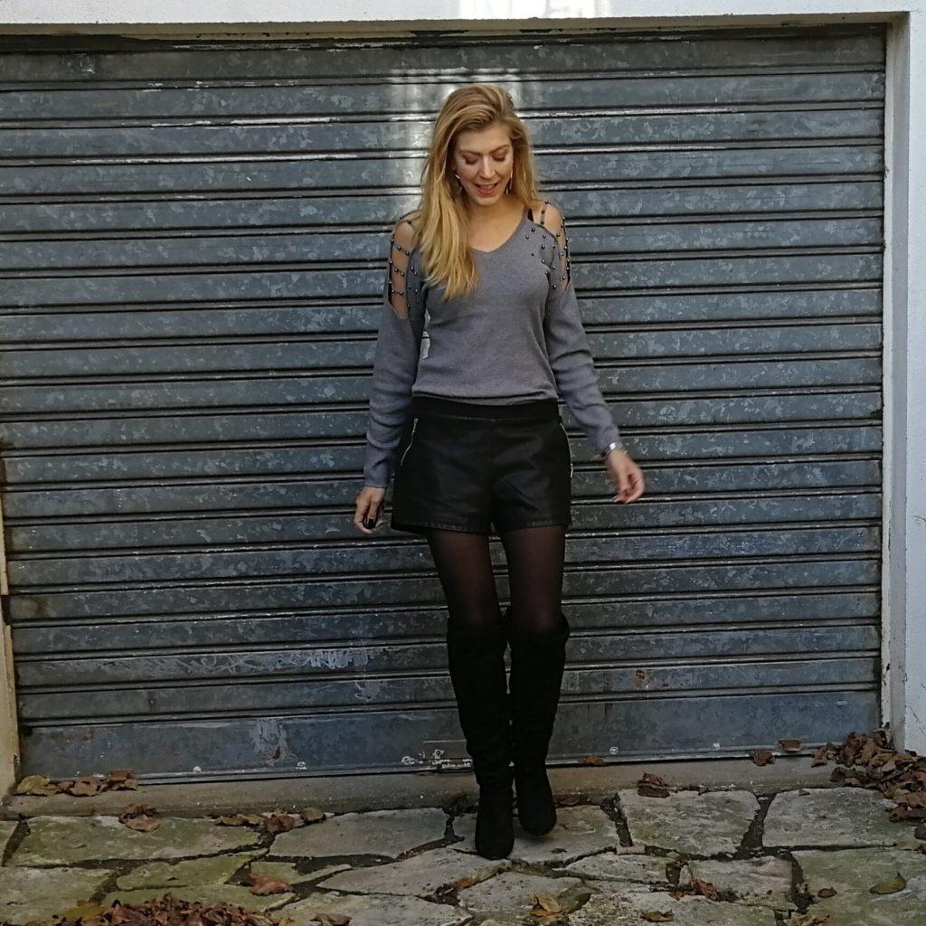 Look, ootd, cuissardes, short cuir, top épaules dénudées, look rock, short cuir look, tenue cuissardes, idée look cuissardes, look hiver, blog mode, blogueuse mode, paris